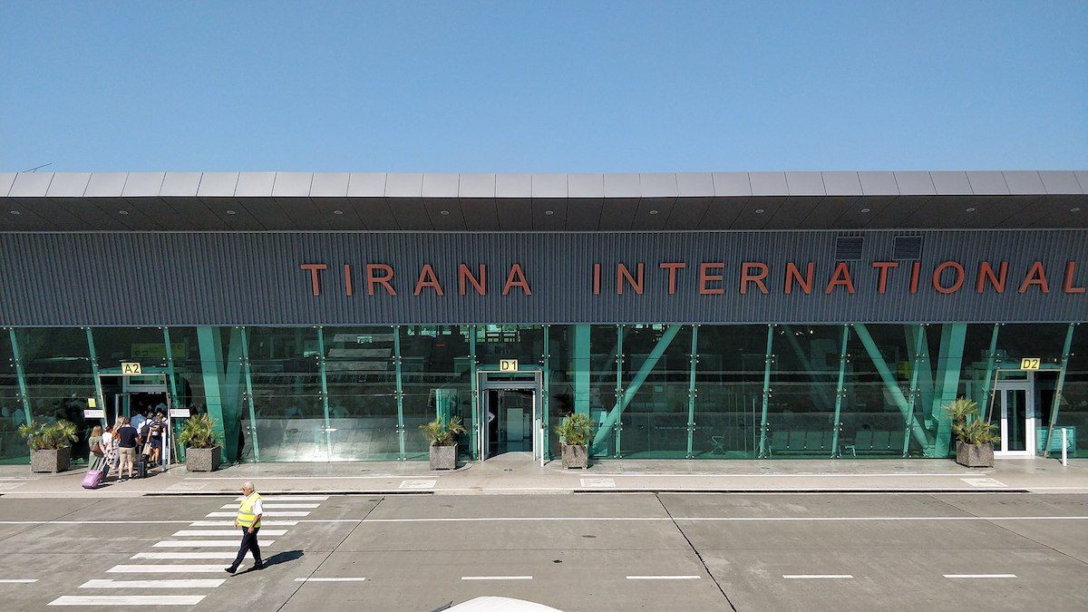 Flights from Tirana to Vienna, Belgrade and Athens resume, but Albanians can't travel